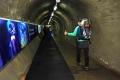 ... ze stanice Felskin mažeme tunelem na Alpin Metro