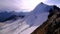 Feechopf (3.888m) v pozadí normálka na Allalinhorn (4.027m)