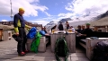 ... po přechodu a sestupu ledovcem na Längfluehütte (2.869m) horní stanice lanovky Längfluh